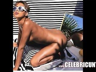 Nude Black Celebrity Rihanna Exposing Pierced Tits & Shaven Pussy