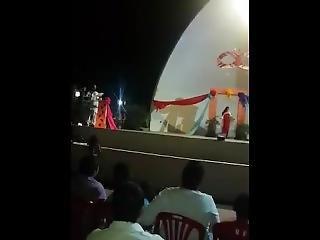 Baile Semi Erotico En Plaza De Pueblo