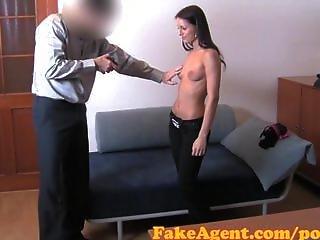 Fakeagent Hd Shy Student Has Silk Vagina