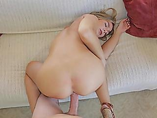 Horny Babe Blair Williams Want Large Cock