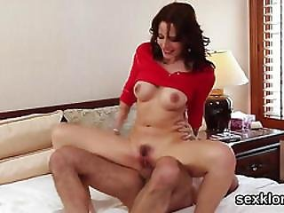 Foxy Pornstar Gets Her Filthy Hardcore Fantasy Satisfied