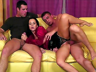 Cindy Dollar Double Teamed Make Water Slut Hd Porn Movies