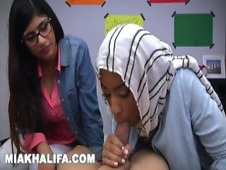 Mia Khalifa Arab Expert Cock Sucker Gives Friend Blowjob Lessons
