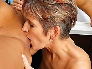 Slim Mature Woman Licking Teen Pussy