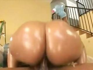 Camamodel.com Presents Big Ass Ebony Playing With Huge Dick