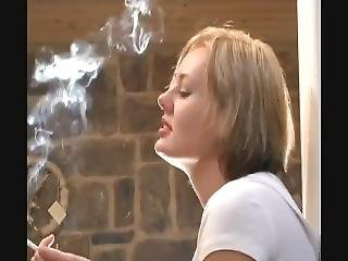 Lmf Smoking - Alyssa