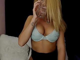 Slut Deniseee69 Flashing Pussy On Live Webcam - Find6.xyz