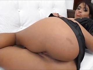 Farting In Brazil - Lola Mello - Farting Compilation