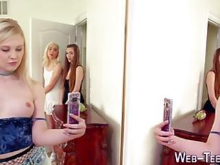 Lesbian Teens Eating Vag