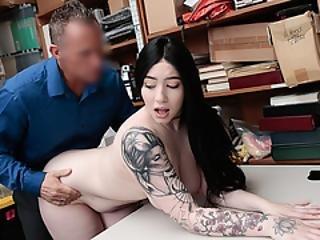 Λεσβίες γλείψιμο οργασμό πορνό