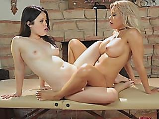 Luna Star In Hot Lesbian Pussy Fingering Naked