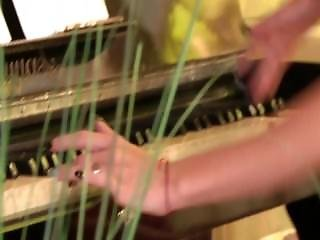 Erótica, Piano, Bromeando