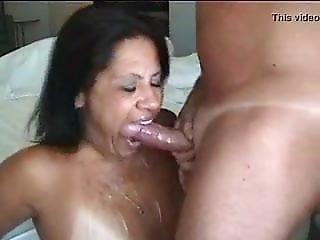In mund sperma spritzen den In den
