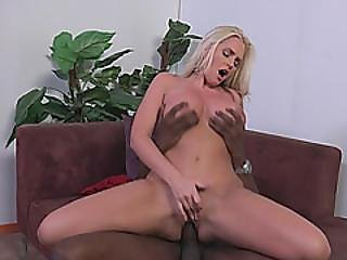 stor sort cock, stort bryst, sort, blond, blowjob, cock sutning, cowgirl, fake bryster, fetish, hardcore, interracial, milf, oral, fisse, sutter