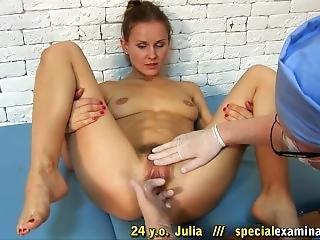 Medical Fetish Julia