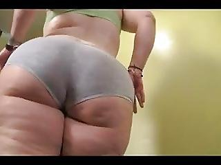 Gorgeous Bbw Nympho Is Oiling Up Her Massive Booty