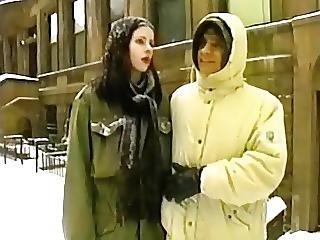 German Skinny Amateur In Nyc Freezing Anal In The Snow
