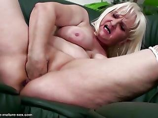 Crazy Old Granny Gets Fisting From Teen Girl