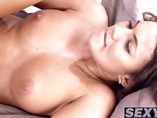 Attractive Skank Vanessa Wants To Bang With Her Man Badly