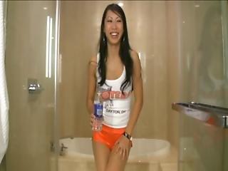 Tia Ling Asian Pornstar Wetting Her