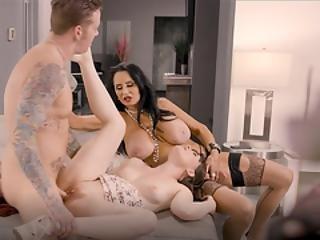 lesbický sex boj videa