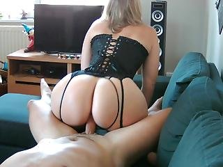 Sex Tape With My Step Mom And Her Huge Juicy Ass!