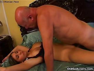 Cutie Loves 69 Sex With Grandpa
