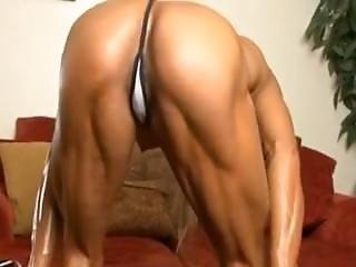 Thai She Muscle