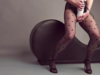 Multiple Orgasms With The Tango + Hi! Can Barely Stand While I Cum So Hard!