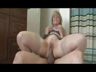 Hot Mom Being Screwed