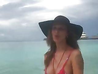 Belen Rodriguez Live On Facebook