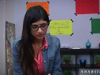 Black Booty Pornstars First Time Bj Lessons With Mia Khalifa