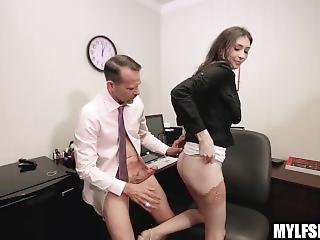 Cheating Wife Secretary In Stockings Fucks Her Boss Waiting For Husband To Take Her To Lunch