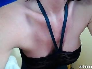 Amateur Gorgeous Mother Flashing