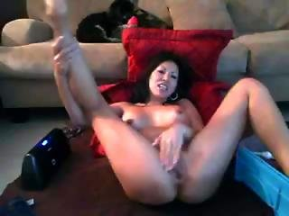 Big Squirting On Webcam Whit Dildo And Hitachi