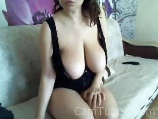 Super Nature Big Boob Playing On Camera_allos_(camtubex.com)