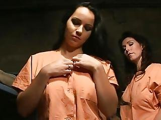 Laura Lion In Yasmine A La Prison De Femmes Sc 1