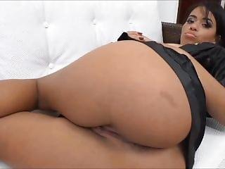 Farting Compilation - Lola Mello - Farting In Brazil
