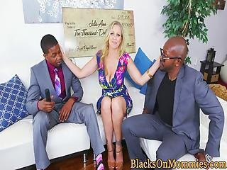 rubia, blowjob, cum, empadpado en cum, duro, interracial, madura, threesome