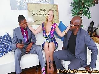 blondine, blasen, sperma, sperma durchgeweicht, harter porno, interrassisch, Reife, dreier