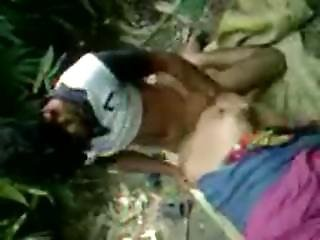 Muslim Gay Kasoor Fucked Her Gf Outdoor-on Cam