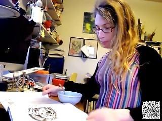 Find6.xyz Cute Doxie Flashing Boobs On Live Webcam