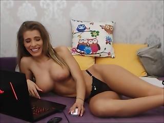 Natural Tits Tease Sexy Tits Livecam