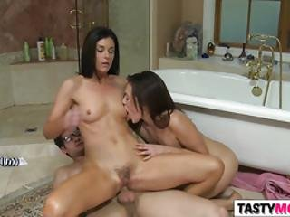 Pretty Mother India Summer Shows And She Blows