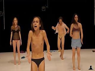 Nude Performance Public