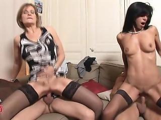 巨乳, 4P, フランス人, 熟女, スウィンガーズ