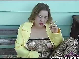 amateur, dikke tiet, lichaam kousen, fetish, visnet, masturbatie, roken, kous, vintage