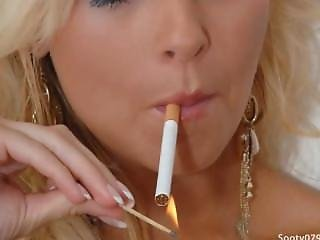Fétis, Dohányzás