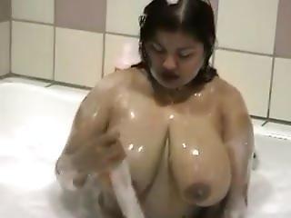 Chubby Asian Bath. Shaunte From Dates25.com