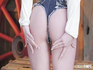 Lacy Lennon Is A Cute But Naughty Redhead That Loves Stuffing Her Juicy Pink Pussy! With The Intense Use Of Her Fingers, All-natural Cutie Cums While Rubbing Her Clam!
